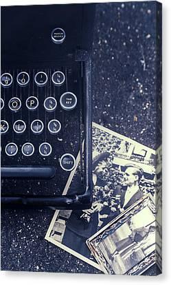 Memories Canvas Print by Joana Kruse