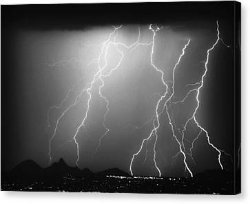 85255 Black And White Canvas Print by James BO  Insogna