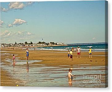 A Day At Wells Beach Canvas Print by Edward Sobuta