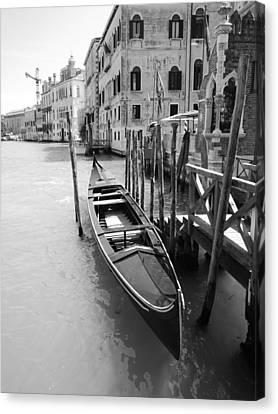 A Gondola In Venice, Italy Canvas Print by Ka Yan Ng