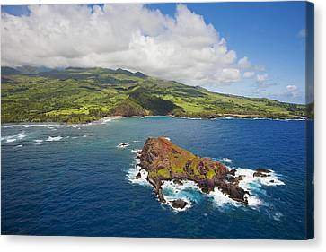 Aerial Of Alau Islet Canvas Print by Ron Dahlquist - Printscapes
