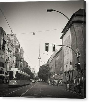 Analog Black And White Photography - Berlin - Oranienburger Strasse Canvas Print by Alexander Voss