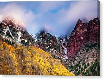 Autumn At Maroon Lake Canvas Print by Andrew Soundarajan