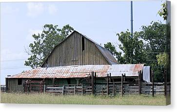 Barn On Byhalia Road Canvas Print by Barry Jones