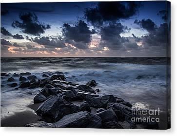 Beach Morn Canvas Print by Richard Smukler