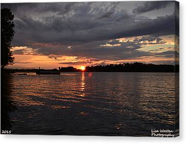 Beautiful Ending To A Beautiful Day Canvas Print by Lisa Wooten