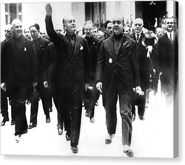 Benito Mussolini, Giving Crowds Facist Canvas Print by Everett
