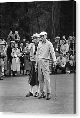Bing Crosby And Ben Hogan Canvas Print by Underwood Archives