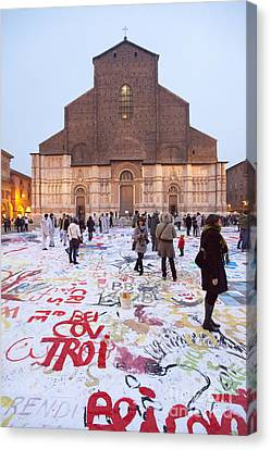 Bologna Cathedral Canvas Print by Andre Goncalves