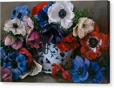 Bouquet D Anemones Canvas Print by Kira Weber