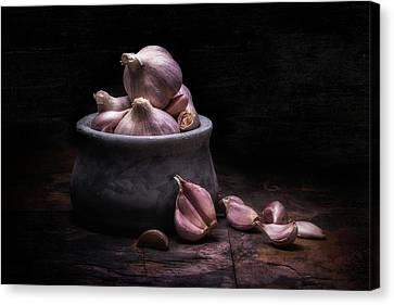 Bowl Of Garlic Canvas Print by Tom Mc Nemar