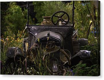 Broken Down And Forgotten Canvas Print by Garry Gay