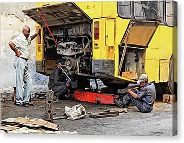 Bus Repairs Canvas Print by Dawn Currie
