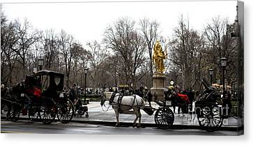 Carriage At The Grand Army Plaza Canvas Print by John Rizzuto