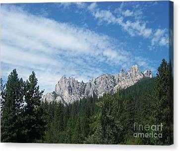 Castle Crags Canvas Print by Charles Robinson