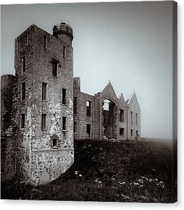 Slains In The Fog Canvas Print by Dave Bowman