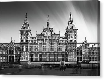 Central Station Canvas Print by Ivo Kerssemakers