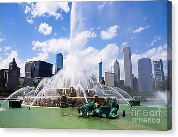 Chicago Skyline With Buckingham Fountain Canvas Print by Paul Velgos