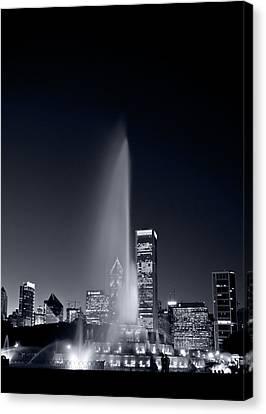Chicagos Buckingham Fountain Bl And W Portrait Canvas Print by Steve Gadomski