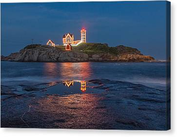 Christmas In July Canvas Print by Stephen Beckwith
