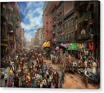 City - Ny - Flavors Of Italy 1900 Canvas Print by Mike Savad