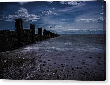 Clacton Beach Essex Canvas Print by Martin Newman