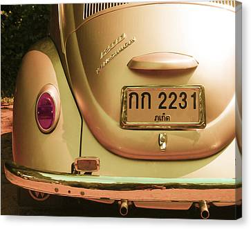 Classic Vw Beetle In Thailand Canvas Print by Georgia Fowler