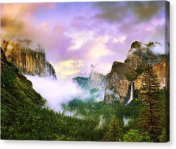 Clearing Storm Over Yosemite Valley Canvas Print by Edward Mendes