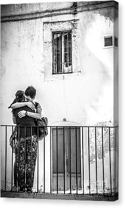 Couple Of Guys Hugging Leaning On A Railing - Black And White With Vignetting Canvas Print by Luca Lorenzelli