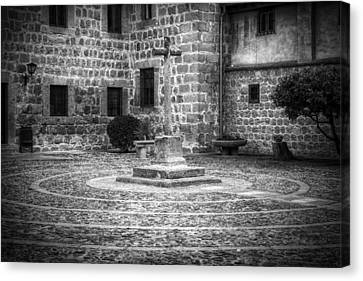 Courtyard At Convent Of The Incarnation Bw Canvas Print by Joan Carroll