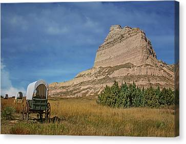 Covered Wagons - Scotts Bluff - Nebraska Canvas Print by Nikolyn McDonald
