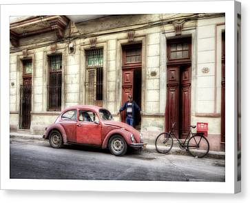 Cuba 17 Canvas Print by Marco Hietberg