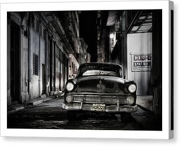 Cuba 20 Canvas Print by Marco Hietberg