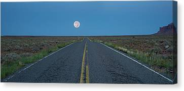 Desert Dawn Utah Canvas Print by Steve Gadomski