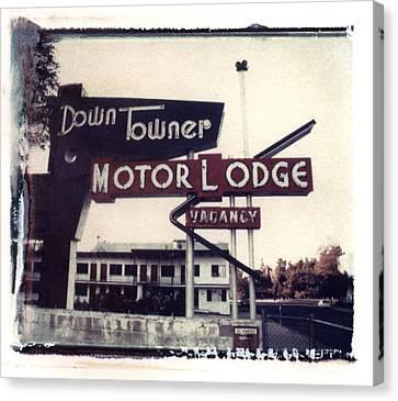Down Towner Canvas Print by Jane Linders
