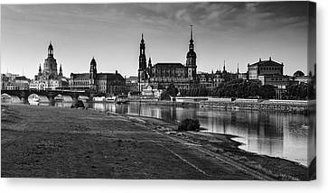 Dresden 04 Canvas Print by Tom Uhlenberg