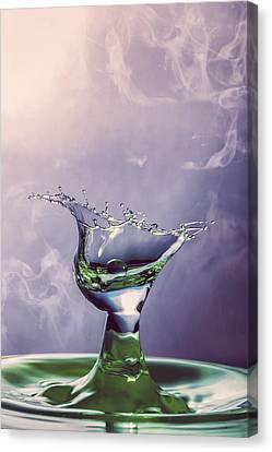 Droplet Collision 5 Canvas Print by Erik Brede
