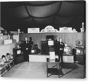 Dumont Tv Display Canvas Print by Bill Wood