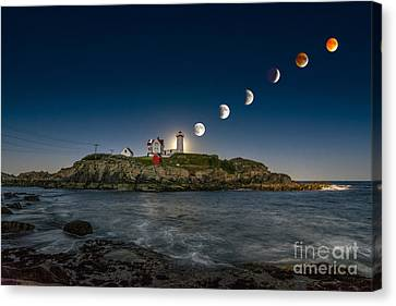 Eclipsing The Nubble Canvas Print by Scott Thorp