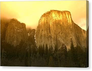 El Capitan Yosemite Valley Canvas Print by Garry Gay