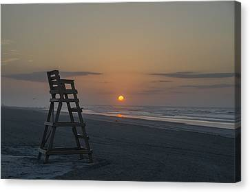 Empty Lifeguard Chair At Sunrise Canvas Print by Bill Cannon