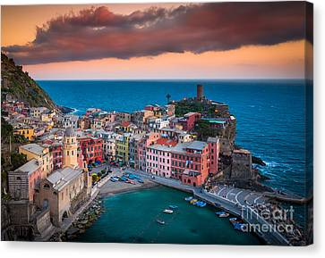 Evening Rolls Into Vernazza Canvas Print by Inge Johnsson