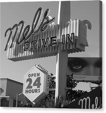 eye love Mel's Canvas Print by WaLdEmAr BoRrErO