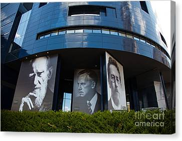 Faces Of Guthrie Theater Minneapolis Canvas Print by Wayne Moran