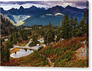 Fall In North Cascades Canvas Print by Marina Yesakova