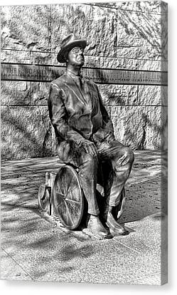 Fdr Memorial Sculpture In Wheelchair Canvas Print by Olivier Le Queinec