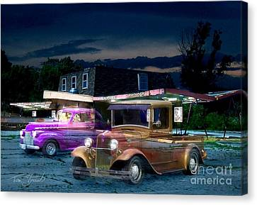 Food And Foam Canvas Print by Tom Straub