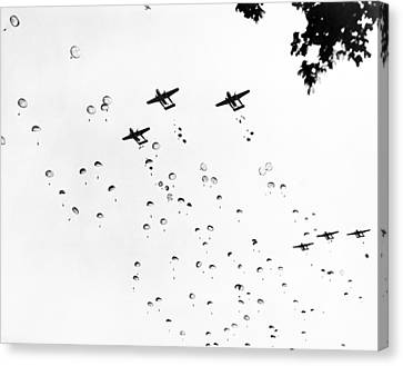 Fort Bragg Paratroopers Canvas Print by Underwood Archives