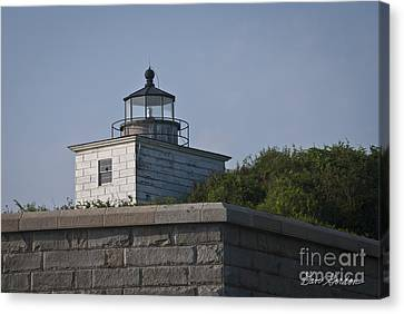 Fort Taber Lighthouse Canvas Print by David Gordon