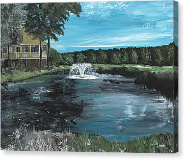 Fountain On The River Hills 17th Green Canvas Print by Donna Mann